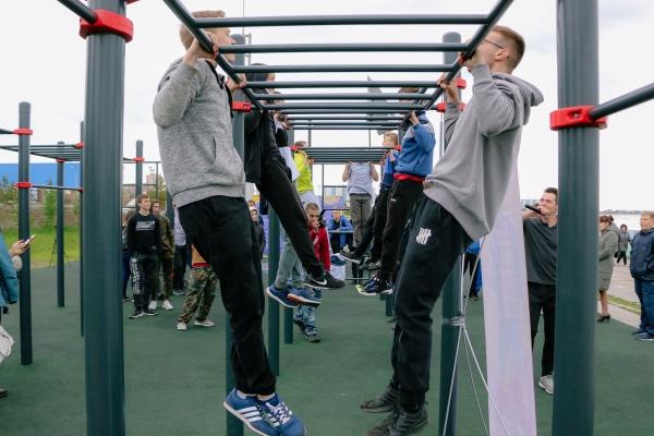 спорт, дворовые состязания, турникет, нижневартовск(2021) Фото: пресс-служба администрации Нижневартовска