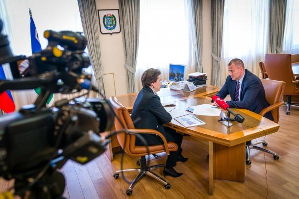 Андрей Трубецкой, Наталья Комарова(2021) Фото: gov.admhmao.ru
