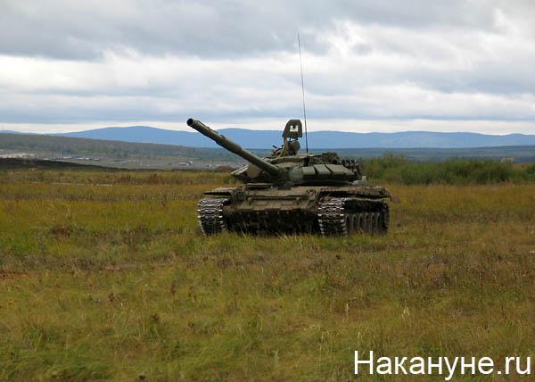 армия учения танк т-72(2010)|Фото: Накануне.ru