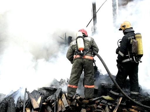 пожарные огнеборцы дым пожар|Фото:mr7.ru