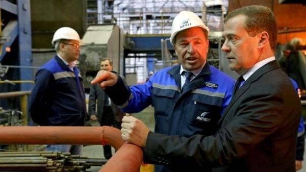 Медведев ЧМК Фото:пресс-служба Правительства России