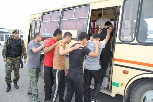 Тюмень рынок мигранты|Фото:72.mvd.ru