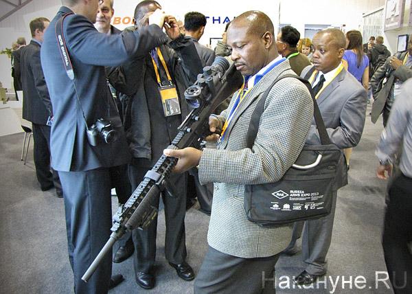 Russia Arms Expo 2013, RAE, выставка УОМЗ, иностранная делегация, оптика|Фото: Накануне.RU
