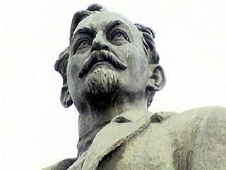 скульптура революционера Феликса  Дзержинского, Дзержинский, памятник Дзержинскому|http://ruskline.ru