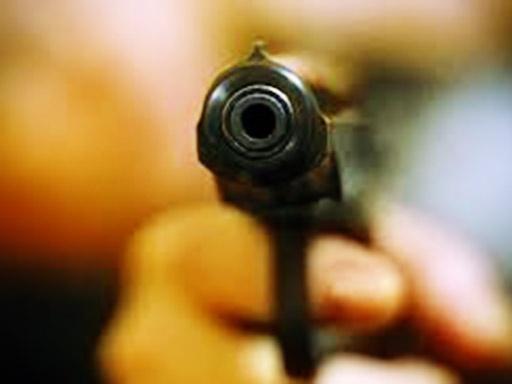 оружие пистолет угроза ограбления|Фото: