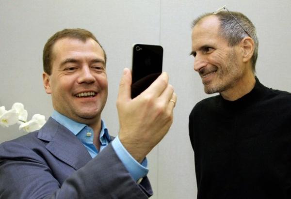 iphone, айфон, медведев, стив джобс Фото: