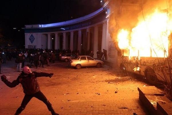 Киев, Евромайдан, погром, беспорядки Фото:  вконтакте