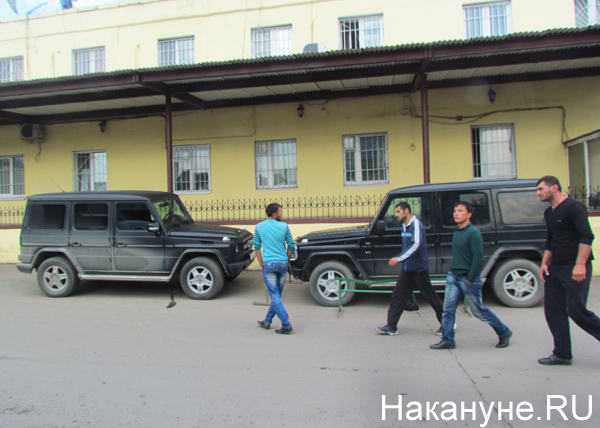 Овощебаза №4, мерседесы, таджики|Фото: Накануне.RU