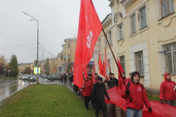 шествие и митинг в Верхней Пышме 05.10.2014 Фото: КПРФ Верхняя Пышма