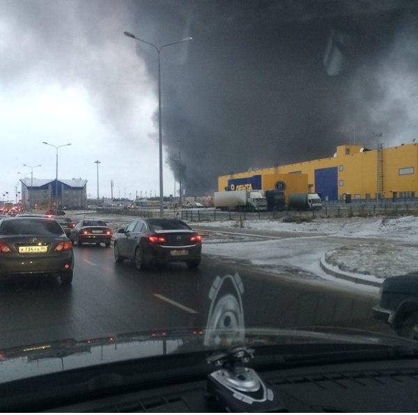 Сургут пожар склад|Фото: vk.me