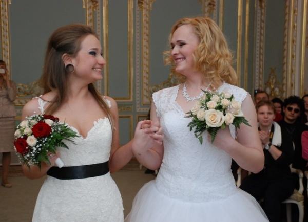 ЛГБТ-свадьба, Ирина Шумилова, Алена Фурсова|Фото:Роман Мельник
