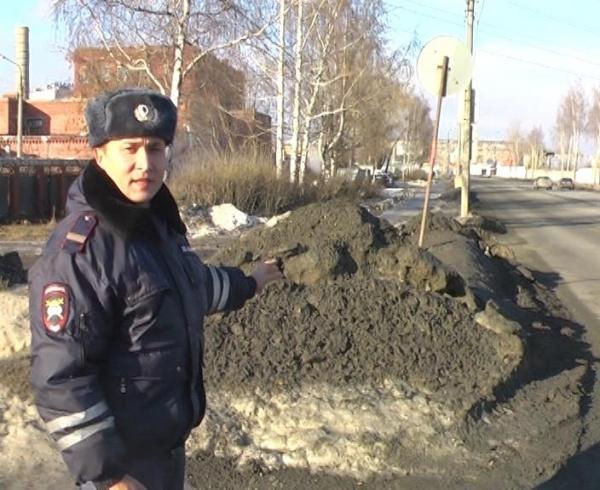 задержание, пьяный водитель, полицейский, капот Фото: ГУ МВД России по Свердловской области