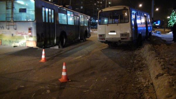 авария, автобус, маршрутка, ПАЗ|Фото: УГИБДД ГУ МВД России по Свердловской области