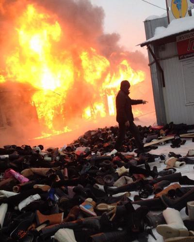 Нижневартовск, пожар на рынке Фото: vk.com