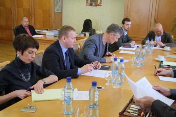 Генконсулы, дипломаты|Фото: http://www.egd.ru