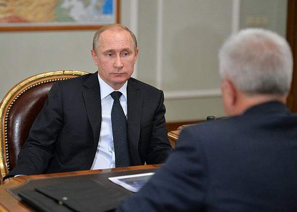 Владимир Путин, президент компании «ЛУКОЙЛ» Вагит Алекперов|Фото: kremlin.ru