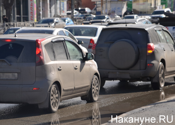 Екатеринбург, весна, грязь, улицы, машины|Фото: Накануне.RU