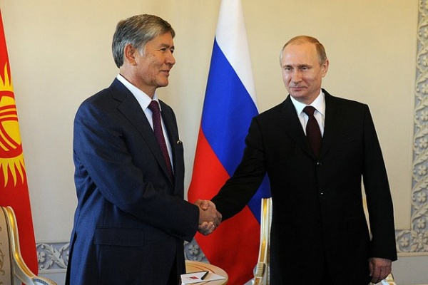Владимир Путин, Алмазбек Атамбаев|Фото:kremlin.ru