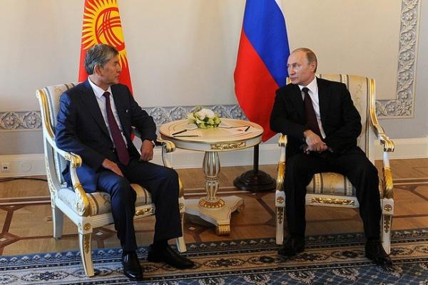Владимир Путин, Алмазбек Атамбаев|Фото: