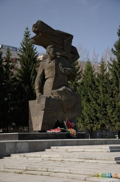 памятник кузнецову, уралмаш|Фото:geocaching.su