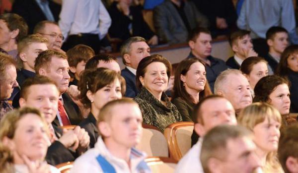 Наталья Комарова, атлеты, награждение|Фото: admhmao.ru