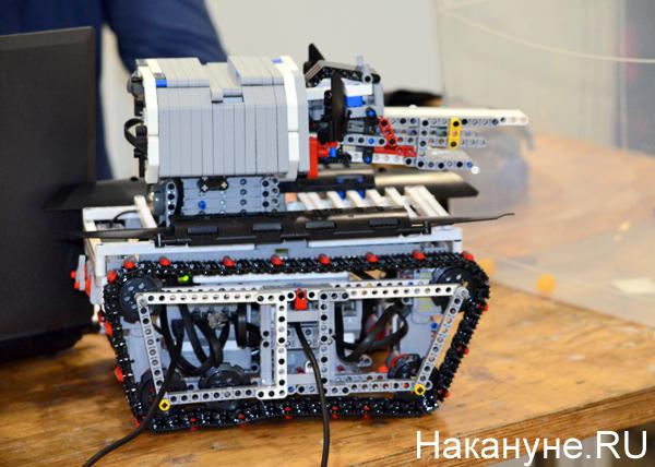 Олимпиада роботов, роботы ВОВ, Дворец молодежи|Фото: Накануне.RU