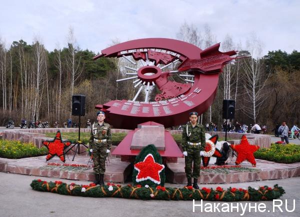 мотопробег, марш Знамени Победы, Екатеринбург, памятник разведчикам-мотоциклистам|Фото: Накануне.RU