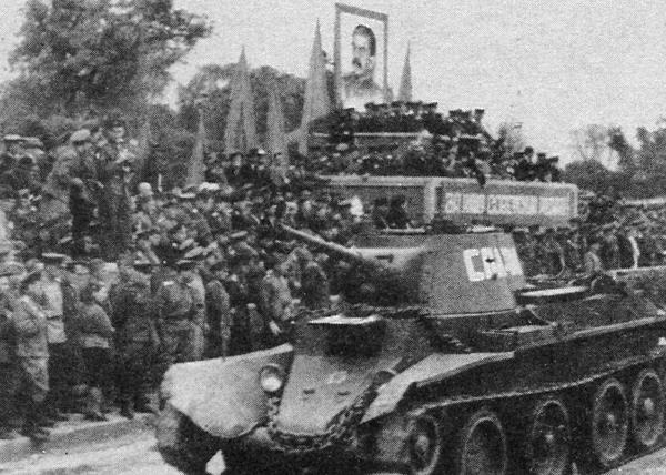 Метроном Победы, победа над Японией, Великая Отечественная война, танк БТ-7 Фото: