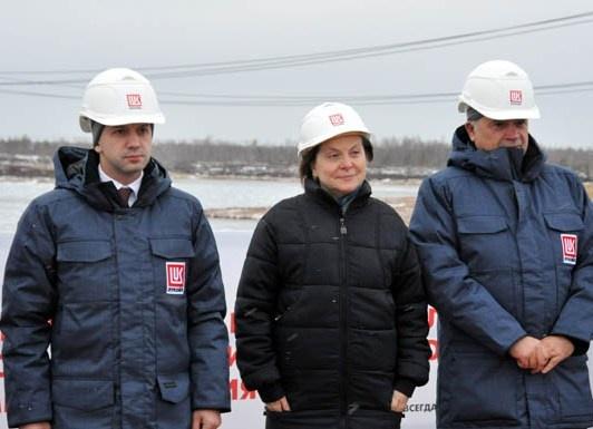 Комарова, Дворкович, Алекперов|Фото:http://www.lukoil-zs.ru/
