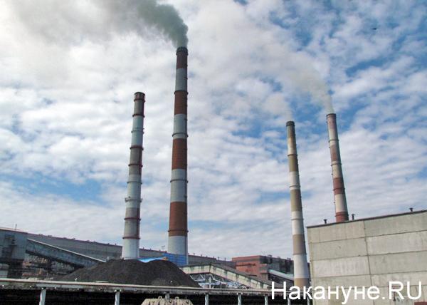 Открытая станция, 45 лет рефтинской ГРЭС, трубы|Фото: Накануне.RU