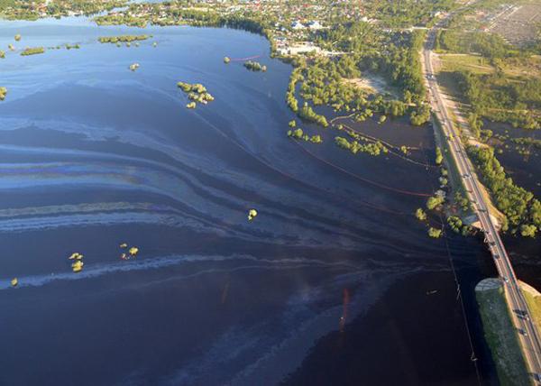 Разлив нефти в Нефтеюганске|Фото: Новосибирская служба эвакуации АСТ-54 2995757