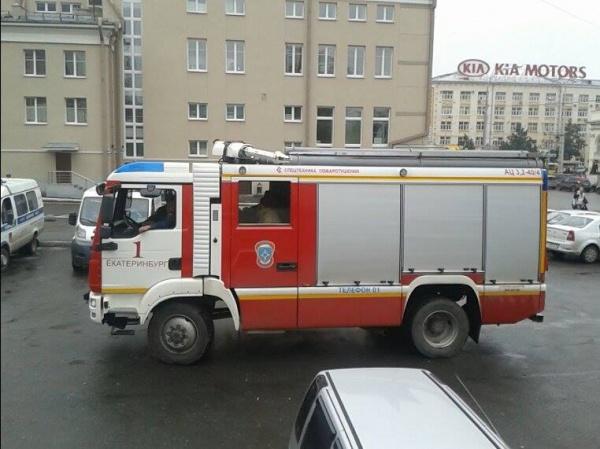 минирование отв, пожарная машина|Фото:
