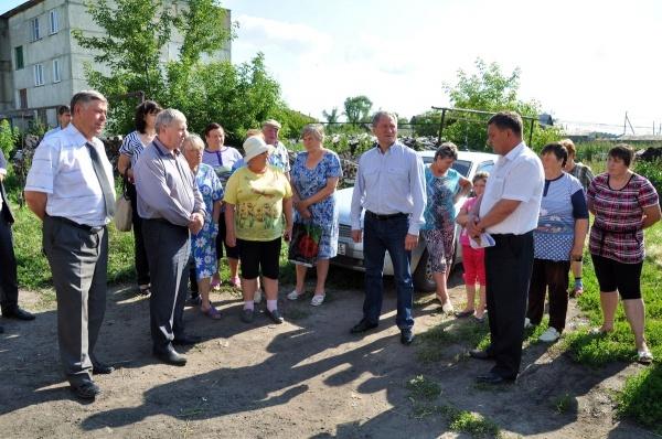 Алексей Кокорин встреча с жителями села Восход Мишкинского района|Фото: пресс-служба губернатора Курганской области