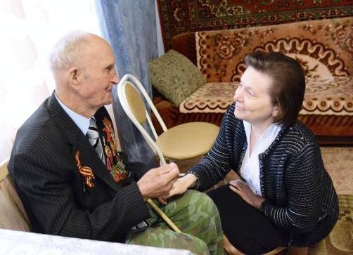 Наталья Комарова, ветеран, Павел Субботин|Фото: правительство ХМАО