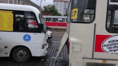 ДТП, автобусы, Екатеринбург, |Фото: УМВД Свердловская область