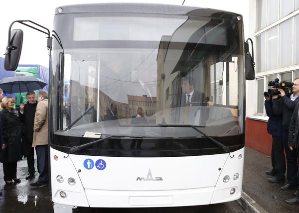 Куйвашев, МАЗ, автоубус Фото: департамент информационной политики губернатора Свердловской области