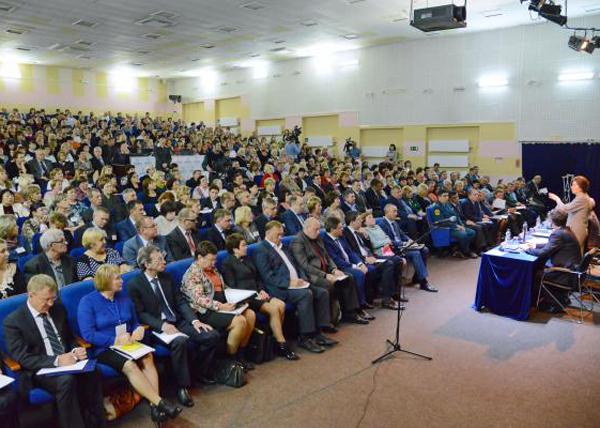 Наталья Комарова, Нягань, встреча с жителями Фото: admhmao.ru