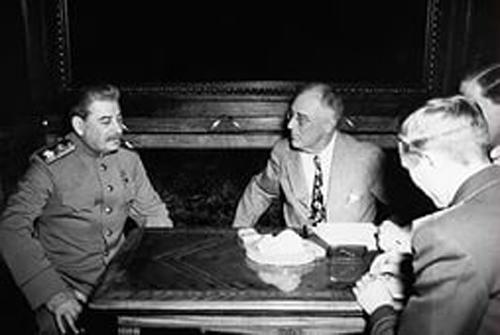 Сталин, Рузвельт, ялта, вторая мировая война, дипломатия, переговоры о мироустройстве, ООН|Фото: yandex.ru