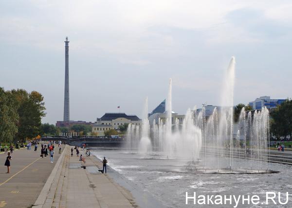 Екатеринбург, плотинка, фонтаны, телебашня|Фото: Накануне.RU
