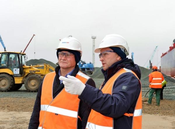 Алексей Кокорин Дмитрий Кобылкин порт Сабетта|Фото: пресс-служба губернатора Курганской области