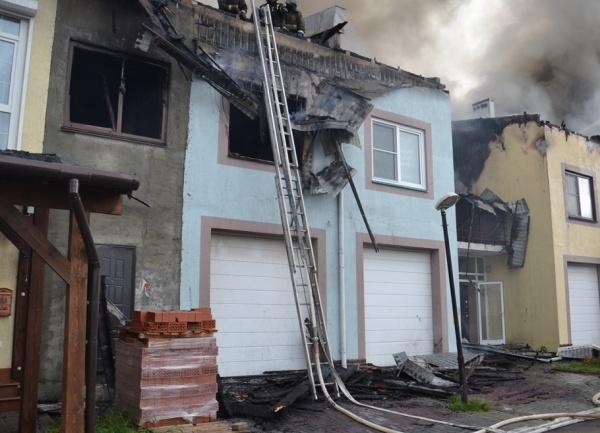 пожар в таунхаусе в Челябинске, Пустового, возгорание|Фото: ГУ МЧС по Челябинской области