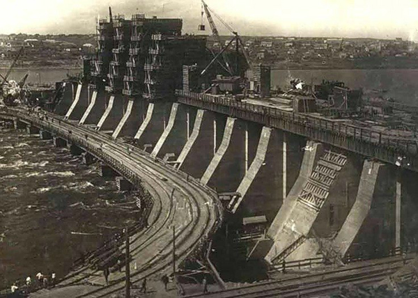 ДнепроГЭС, индустриализация|Фото: radikal.ru