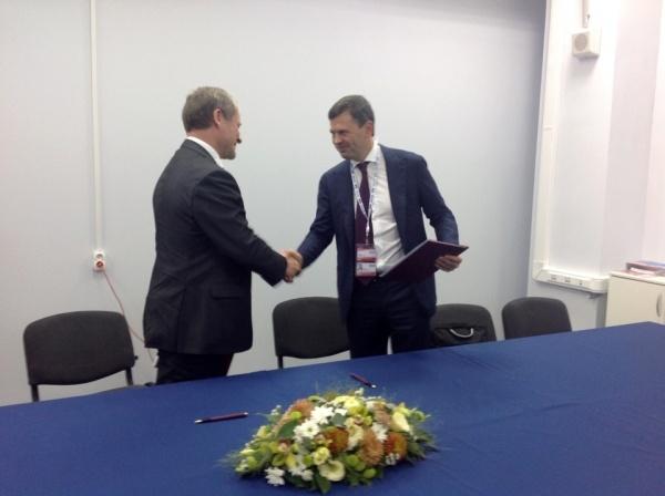 Алексей Кокорин Алексей Комиссаров соглашение|Фото: пресс-служба губернатора Курганской области