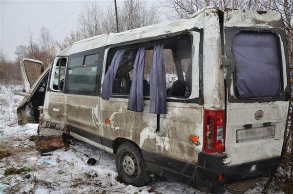 ДТП, Нефтеюганск, микроавтобус|Фото: Пресс-служба УМВД ХМАО
