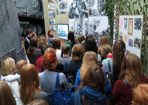 """""""Помни… Мир спас советский солдат!"""", выставка Фото: kurganobl.ru"""