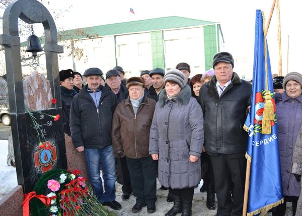 памятник, посвященный участникам ликвидации аварии на Чернобыльской АЭС, Куртамыш|Фото: kurganobl.ru