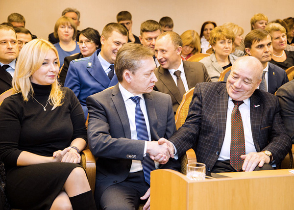 Дмитрий Попов, глава Сургута, Жанна Кадацкая, Валерий Салахов|Фото: siapress.ru