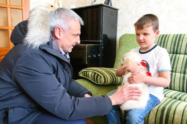 Сергей Носов ребенок щенок|Фото: администрация Нижнего Тагила