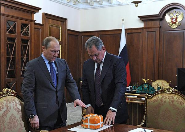 Путин, Шойгу, самописец Су-24|Фото: kremlin.ru