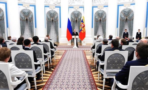 Владимир Путин вручение госнаград|Фото: пресс-служба президента РФ